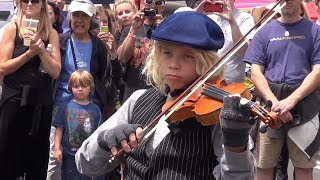 """Fiddler on the Roof Flashmob - kids singing """"Tradition"""" - La Canada Jr. Theater at Farmers Market"""