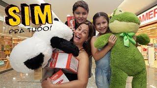 DIZENDO SIM PRA TUDO NO SHOPPING ♥ Mom said YES to everything the kids want