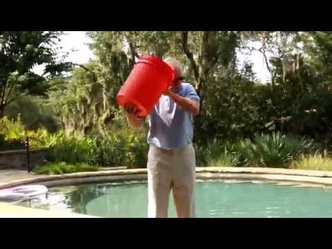Sen. Sam Nunn Accepts Ice Bucket Challenge from Michelle Nunn