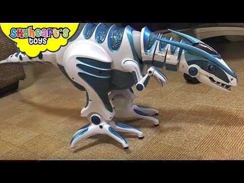 ALIEN DINOSAUR escapes out of box - Skyheart and Roboraptor Dinosaur toys for kids