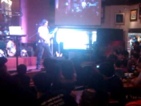 Herman Li (Dragonforce) - Heroes of Our Time (Makati Hard Rock Cafe)