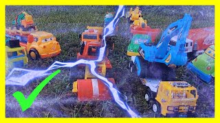 Build Freeway by Construction Kid Toys: Dump Truck, Helicopter, Excavator, Bulldozer, Garbage Truck