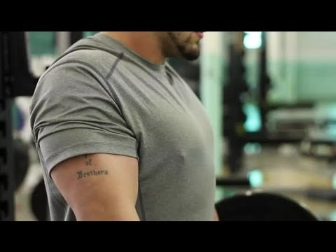 Shoulder Shrugs for Broad Shoulders : Weightlifting Techniques Image 1