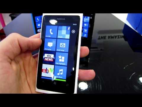 Распаковка Nokia Lumia 800 - часть 1