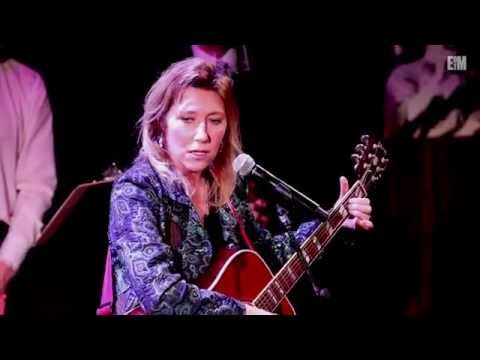 Martha Wainwright Performs B.M.F.A