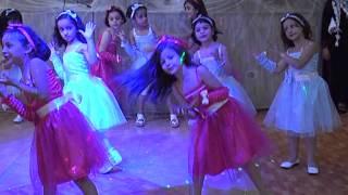 Download سمر ابوبكر ترقص على اغنية