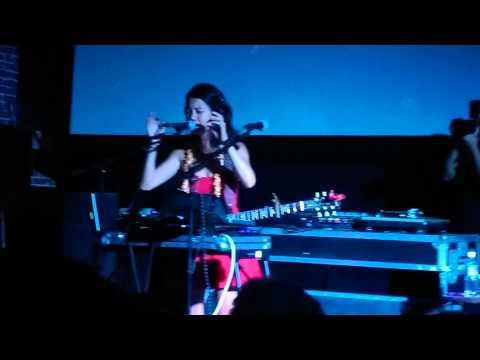 Kawehi - Amazing 7 Song Mashup Live  Nextdoor video