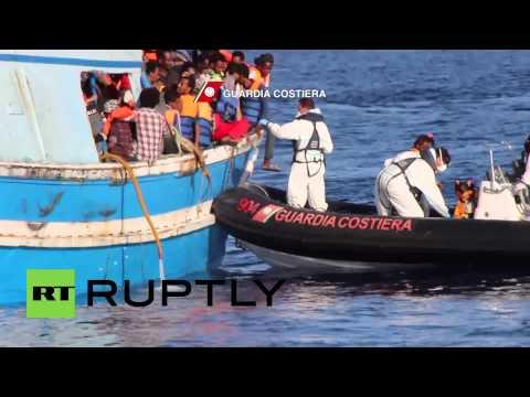 Mediterranean Sea: Italian Coast Guard picks up 4,400 refugees and migrants
