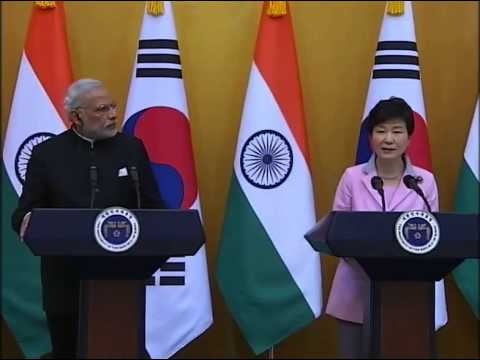 PM Modi and President of South Korea Park Geun-hye at Joint Press Statement