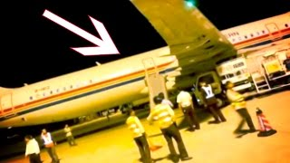 Crazy Man Deploys Emergency Slide To Leave Plane Early!