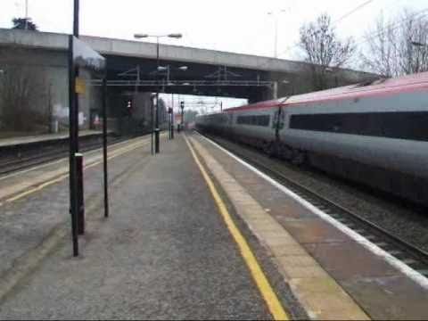Kings Langley is a small station just north of Watford Junction where the M25 Orbital Motorway crosses the West Coast Main Line. It is solely served by Londo...