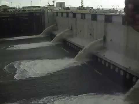 Enchimento do dique seco dia 27/03/2014 saída da P66.
