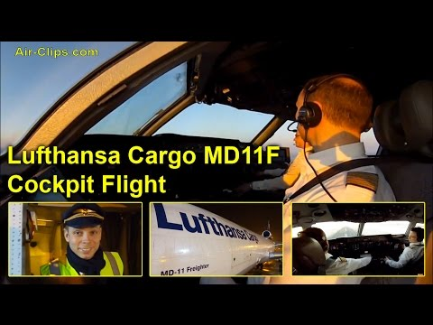 Lufthansa Cargo MD-11F full cockpit flight to New York JFK, AMAZING! [AirClips FullFlight series]