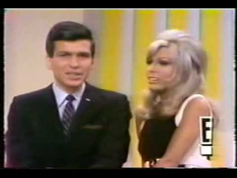 NANCY SINATRA - Something Stupid