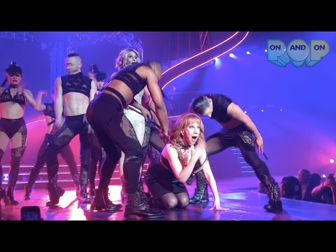 Britney Spears and Kathy Griffin's 'Freakshow' during Piece Of Me! (HD)