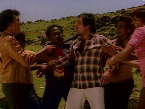 Reena Roy Saves Rajesh Khanna - Hum Dono