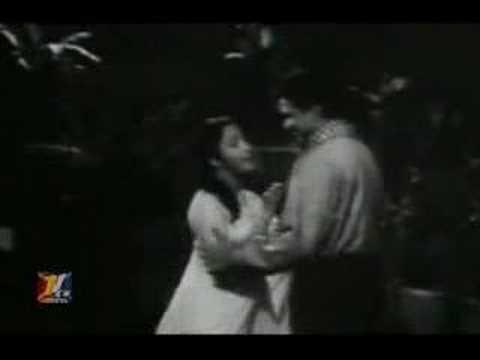 Anpadh (1962) - Aap Ki Nazaron Ne Samjha