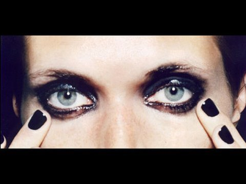 Tips to Prevent Eyeliner Smearing and Smudging