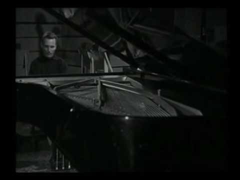 Michelangeli plays scarlatti.Piano