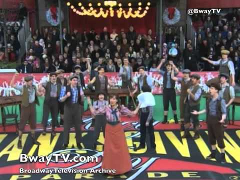 "The Paper Mill Playhouse cast of NEWSIES performs ""King of New York"" on the 2011 Macy's Thanksgiving Day Parade (NBC). Music by Alan Menken Lyrics by Jack Fe..."
