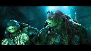 "TEENAGE MUTANT NINJA TURTLES - Official Film Clip - ""Sneaking In"" - Int. English"