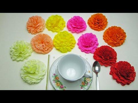 Как можно сделать цветок из гофрированной бумаги 28