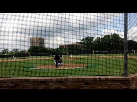 2014 G Gomez Base Hit DBLE RBI vs Heros Brookhaven college