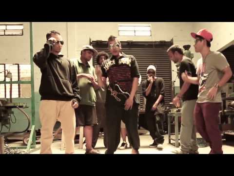 Indian Rap Cypher (bangalore) 2014 Part 2 - Xstacy Sash, Lil B, Main-e-yak video