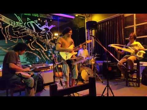 sunday jam nothing but the blues  thonglor 13