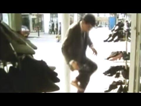 Mr. Bean -- Stone in Shoe - Stein im Schuh!