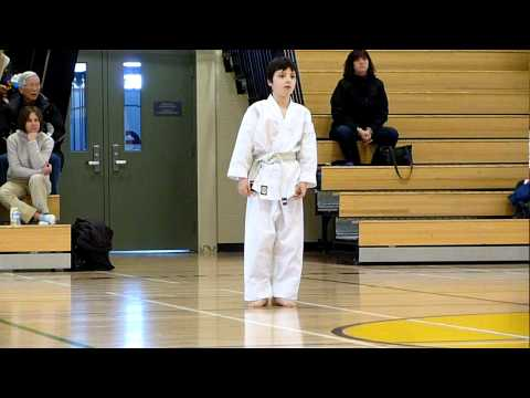 Shotokan White To Yellow Belt Test: Heian Shodan | Winnipeg Karate For Kids | Shihan Woon-a-tai 2012 video
