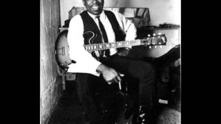 Watch Bb King You Upset Me Baby video