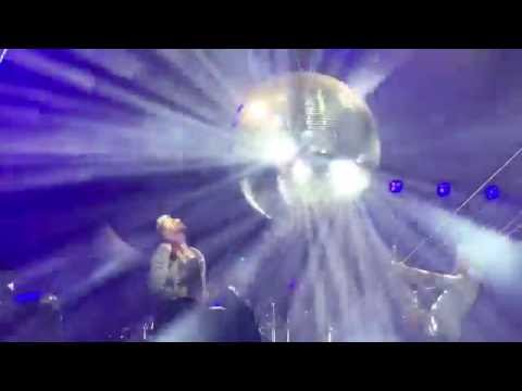 Queen + Adam Lambert - Who Wants To Live Forever - Isle of Wight 2016