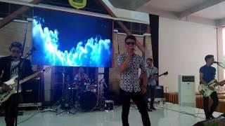 download lagu Fanilla Band_ Pergi Pagi Pulang Pagi Cover Armada gratis