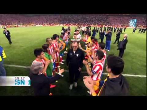 Marcelo Bielsa le niega el saludo a Enrique Cerezo en la Final Europa League 2012