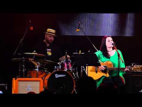 Alina Manole - Fix in seara asta - Live la Folk You 2014 in Bucuresti