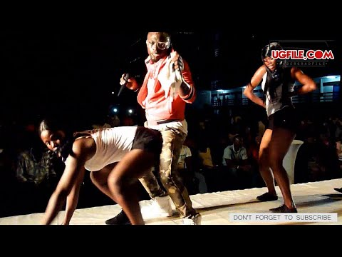 Serious Twerking, Grinding And Screeching On Legon Campus video