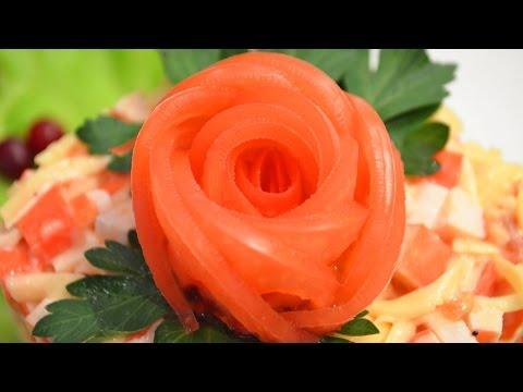 Украшение роза из помидора