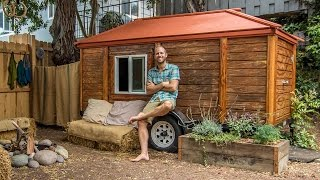 Environmentalist Builds Incredible Eco Friendly House