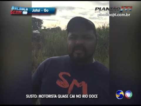 Susto motorista quase cai com o veiculo no Rio Doce na BR 060
