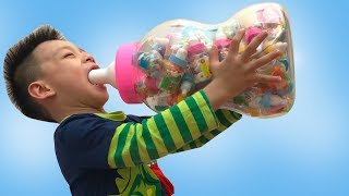 Funny Baby Learn Colors with GIANT Baby Bottles & Finger Family Nursery rhymes Song for Kids