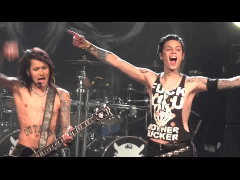 Black Veil Brides - In The End (04 December 2013 Vienna, Austria) HD