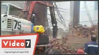 """قوات الحماية المدنية تحطم الجدران المحترقة بـ""""ميت نما"""""""