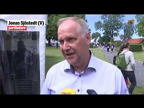 """Sjöstedt (V): """"Det är oroande att Löfven verkar inte veta vilket håll han vill gå åt"""""""