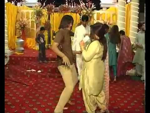 GUJRANWALA RANA USMAN Mehndi Dance .mp4.flv