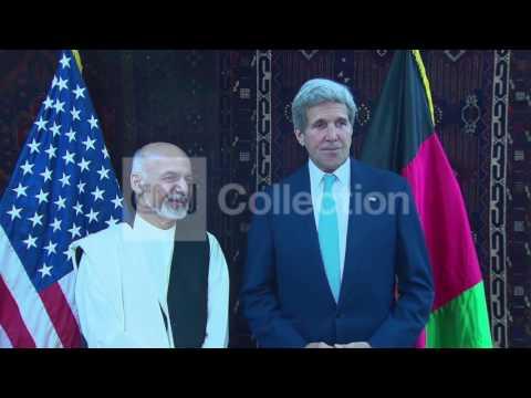 AFGHANISTAN-KERRY MEETS PRESIDENT KARZAI