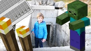 Игра майнкрафт. Поиск пещеры. Сражение с Зомби. Выживание в заброшенном городе
