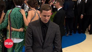How Bill Skarsgard Mastered His Voice as Pennywise in 'IT' | Daily Celebrity News | Splash TV