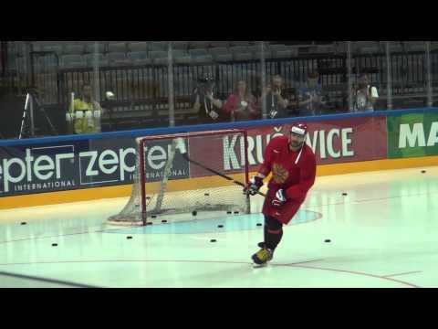 Овечкин вышел на лед в Праге