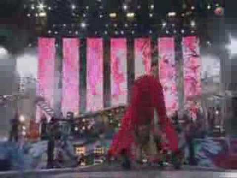 Robbie Williams - Let me entertain you ( Live @ Knebworth )